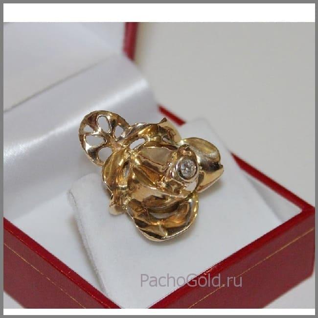Крупное кольцо для женщины с цветком