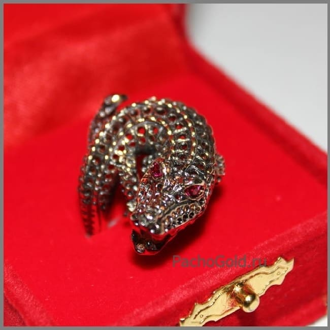 Ювелирное кольцо на заказ Крокодил