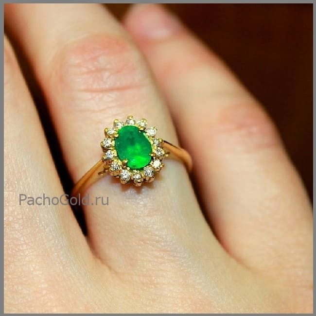 Женское кольцо с большим изумрудом Эмеральд