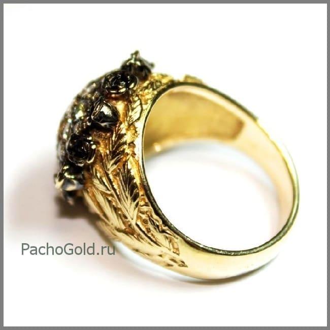 Женское кольцо из золота с бриллиантами Черная роза