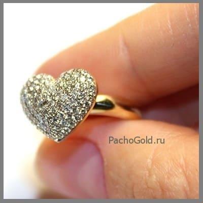 Золотое женское кольцо Сердце из бриллиантов