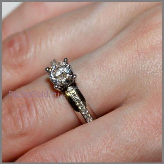 Бриллиантовое женское кольцо на заказ Люксори Лайф