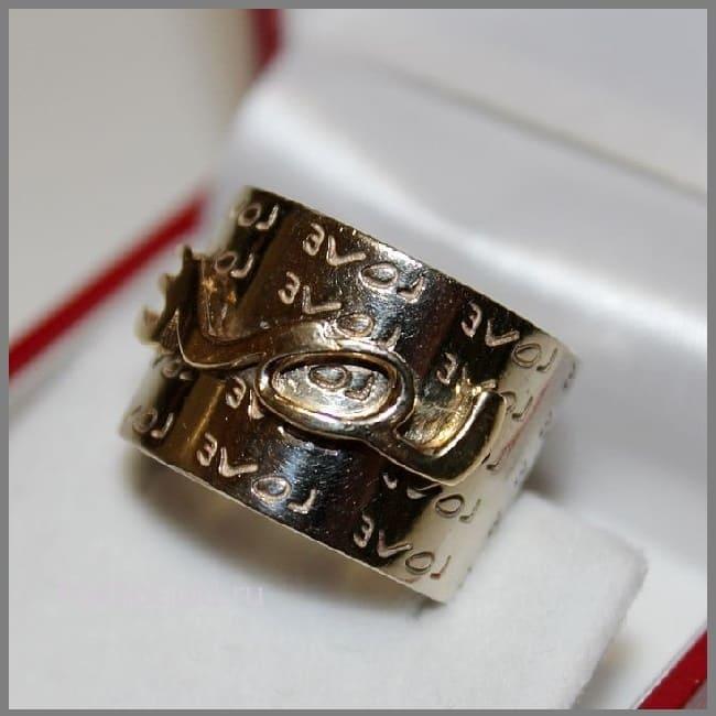 Изготовление золотых колец на заказ Love