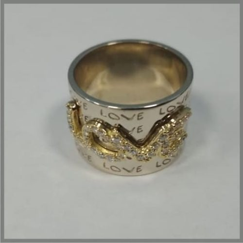 Кольцо из золота Love