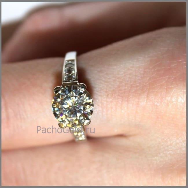 Кольцо для женщины с бриллиантами Reverie