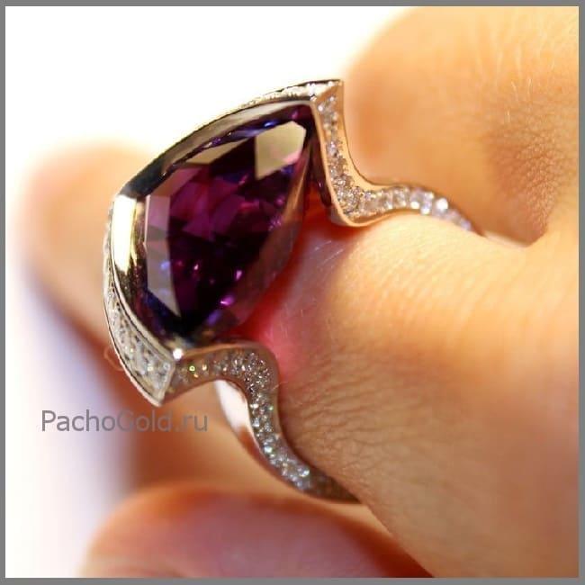 Кольцо с аметистом и бриллиантами Accord