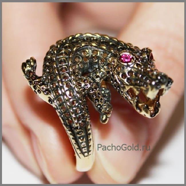 Кольцо с крокодилом из золота Croco