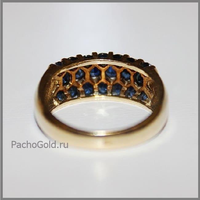 Золотое кольцо в виде дорожки из сапфиров