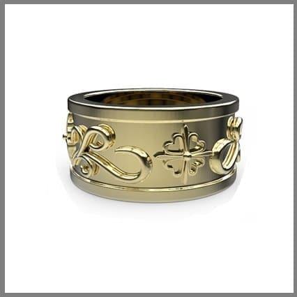 Широкое обручальное золотое кольцо