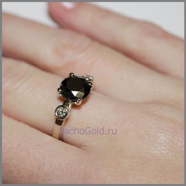 Ювелирное кольцо с черным бриллиантом на заказ Маятник