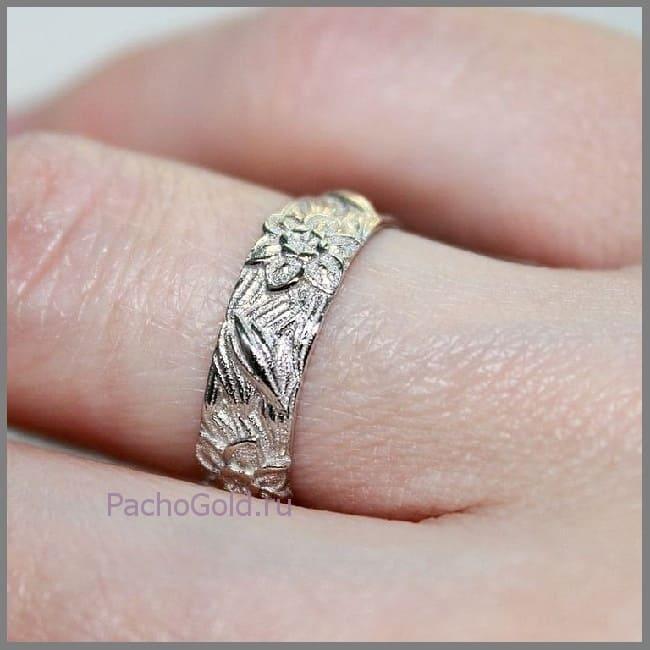 Ювелирное кольцо с цветочными мотивами ручной работы