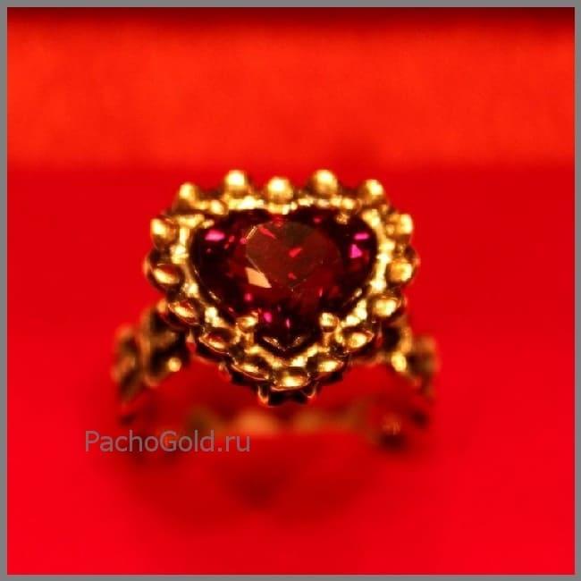 Женское кольцо ручной работы Гранатовое очарование