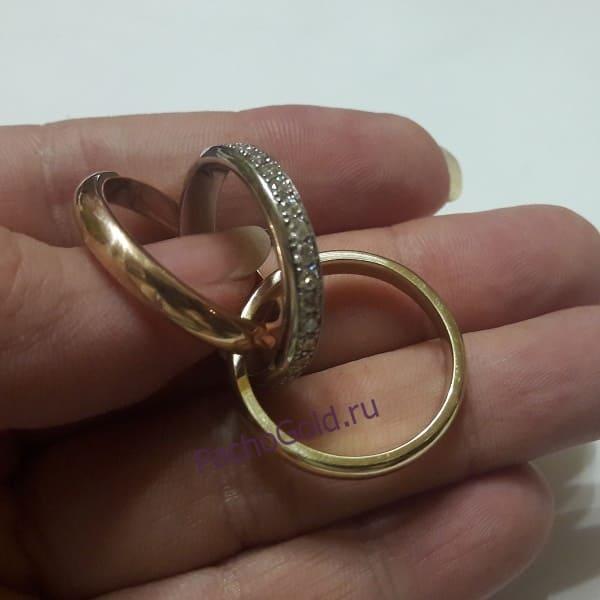 Золотое кольцо из трех видов золота Тринити