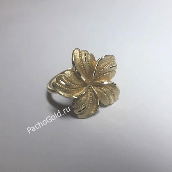 Кольцо цветок из золота