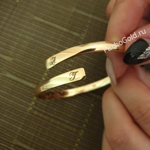 Жесткий браслет из золота Flawless lady