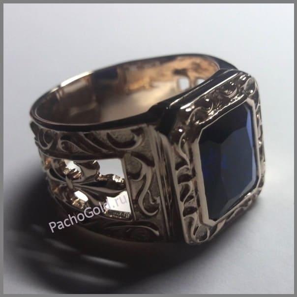 Украшение золотой перстень с корундом